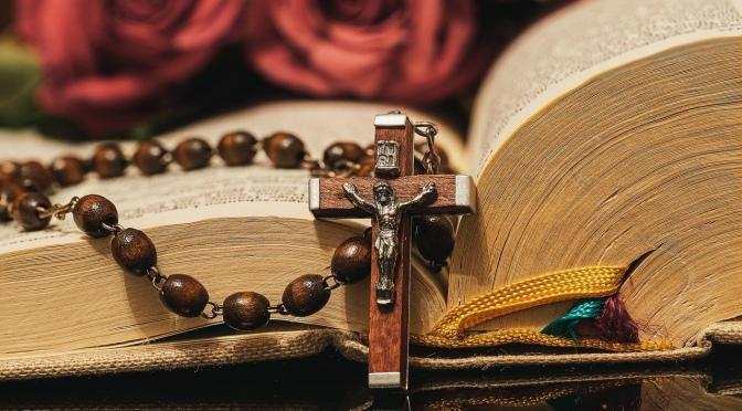 Conférence virtuelle le 21 mai à 19h avec Fr Dieudonné : Prier le Rosaire? Pour quoi faire?